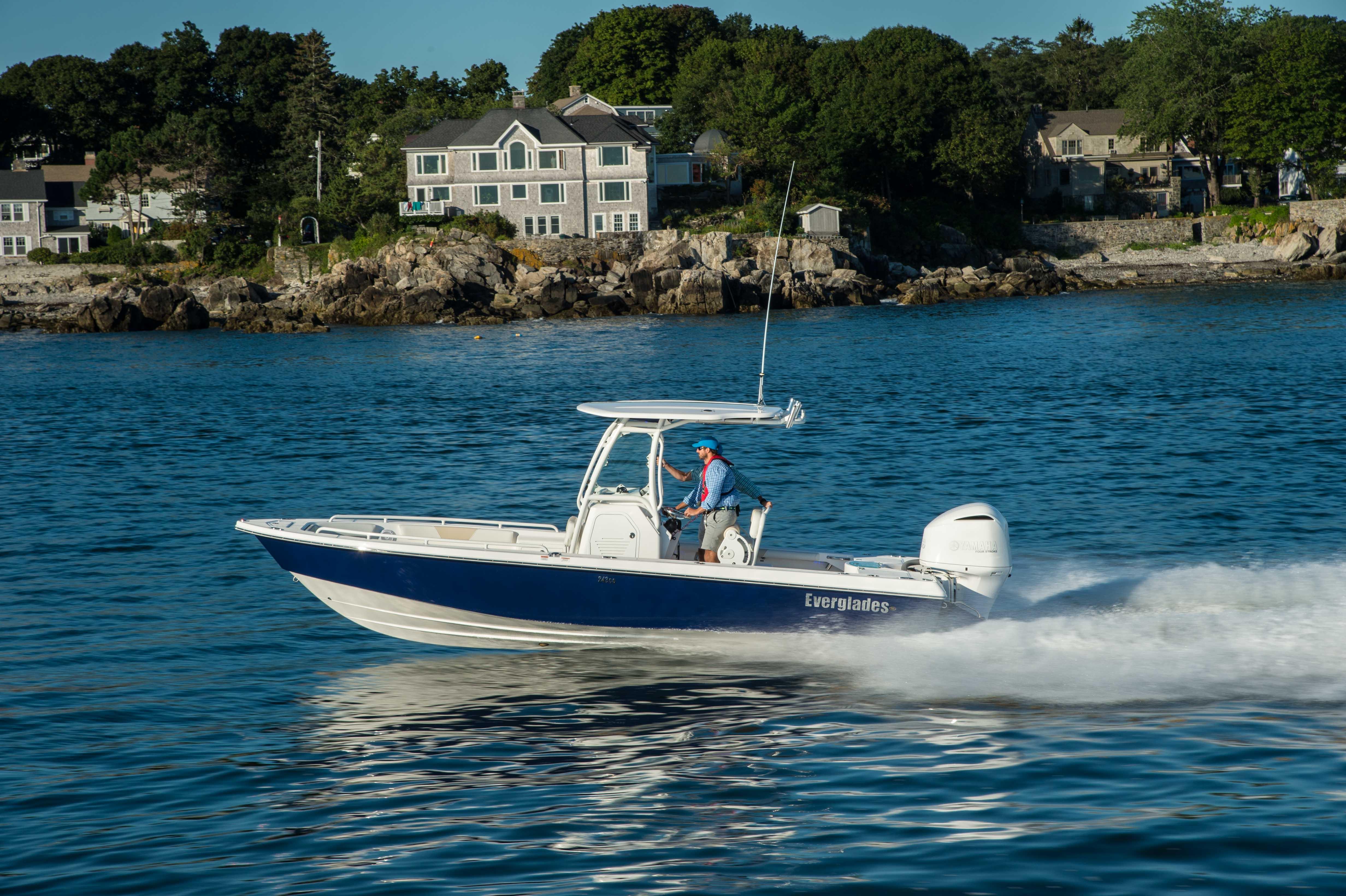 Everglades Executive Yacht Canada