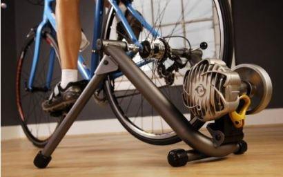 Fluid indoor bike trainer