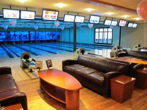 ECN 072014_ECN Party ad - Pinstripes bowling lanes
