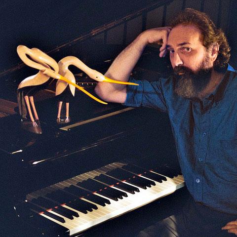 Il compositore Patrizio Fariselli in concerto domenica 23 settembre a Carimate (Co) con un concerto dedicato all'acqua