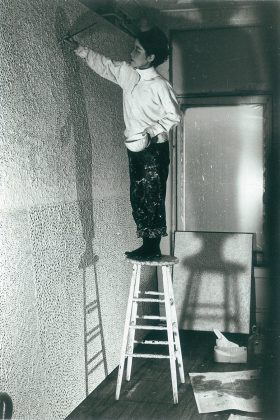 Yayoi Kusama, Kusama in her studio, New York, c. 1961. ©Yayoi Kusama