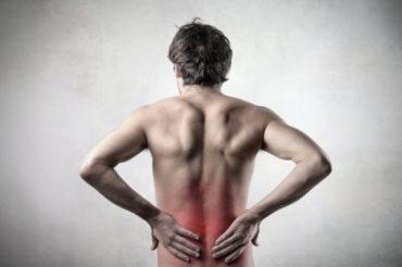 8 złych przyzwyczajeń, które powodują ból pleców