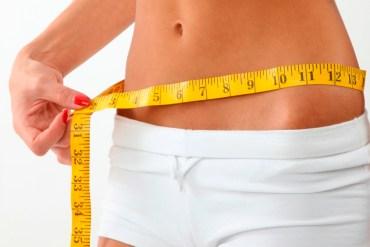 Płaski brzuch – 4 podstawowe ćwiczenia i dieta