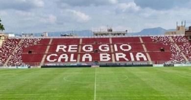 Serie B: La Reggina vince contro la Reggiana per 2-1 e continua la sua marcia verso i play off