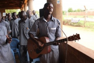 TWR_Kenya-prison2-1-5-15-300x200