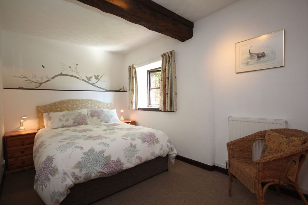 Stable Cottage, West Withy Farm, master bedroom