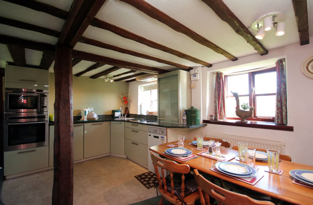 Upton Cottage, West Withy Farm, kitchen, dining room