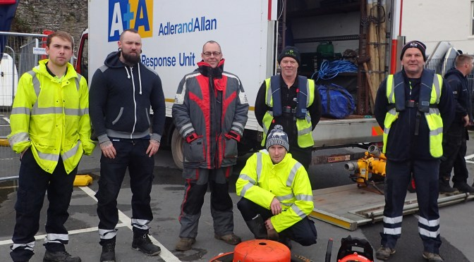 ILFRACOMBE TRAINING TO RESPOND TO OIL POLLUTION EMERGENCIES