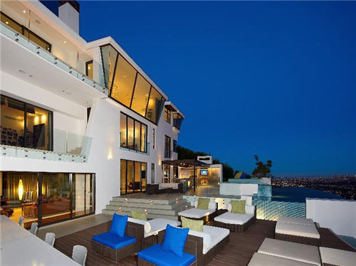 Estate Of The Day 189 Million Sunset Strip Citadel In