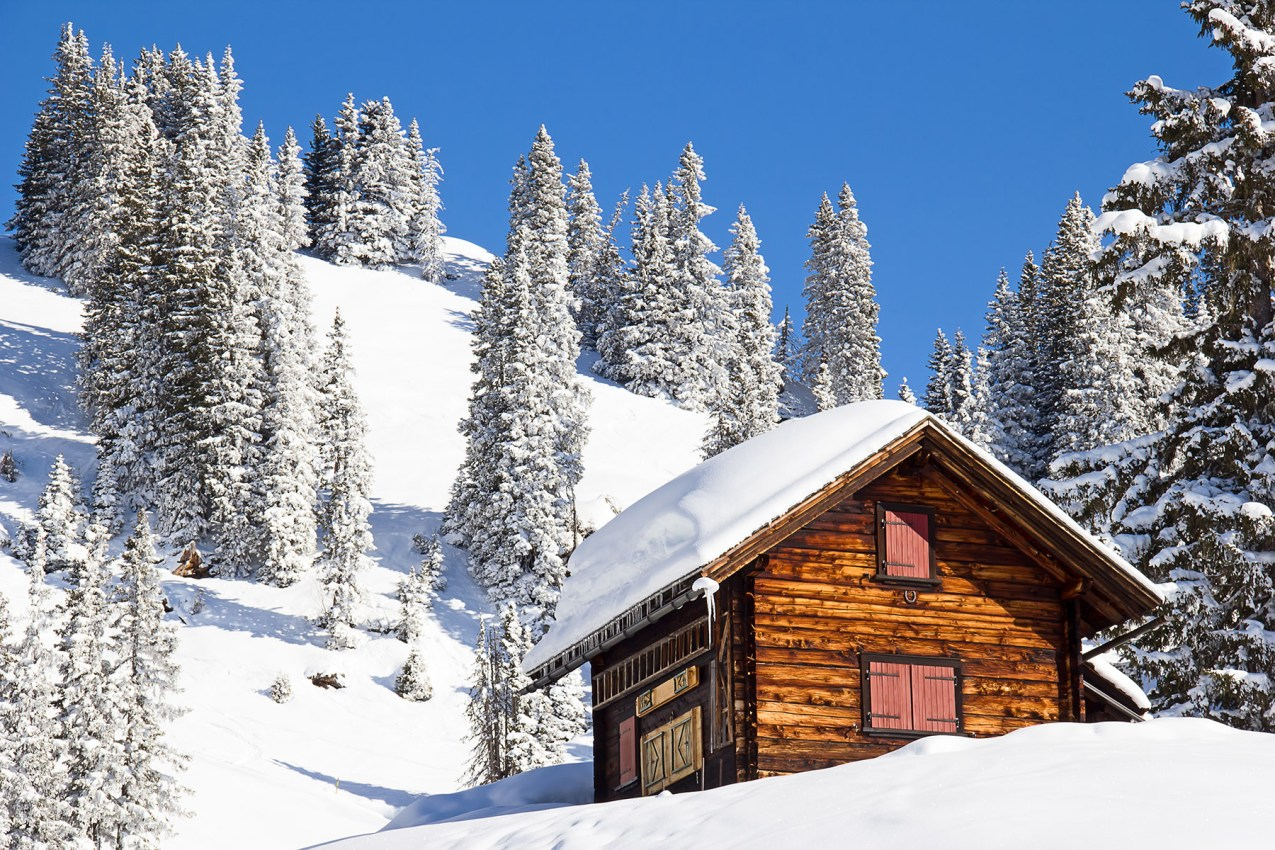 Insuring your holiday home in Switzerland