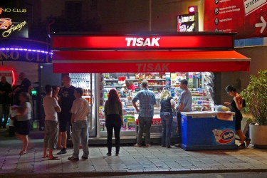 What is a tisak?