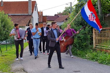 How to attend a Croatian wedding