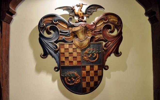 Družbe Braća hrvatskog zmaja coat of arms