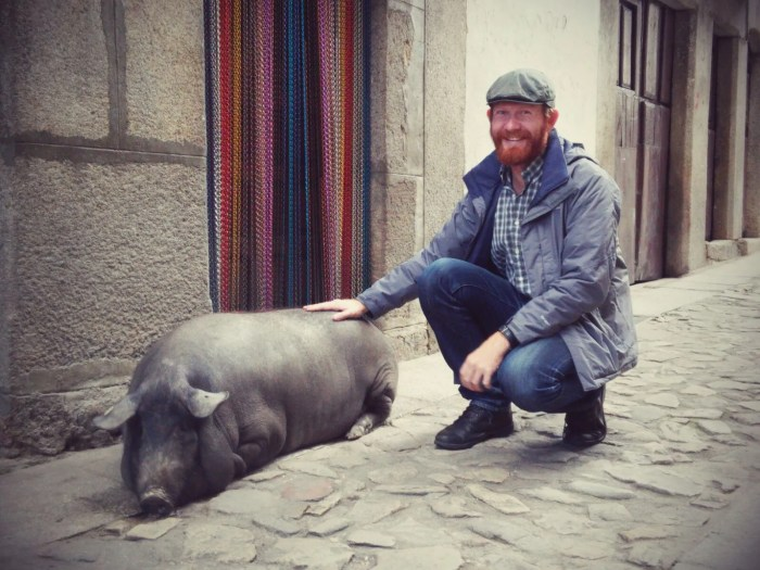 me and that cool pig in mogarraz
