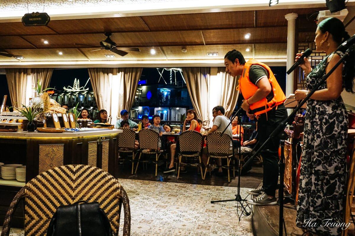 Restaurant Saigon River Dinner Train