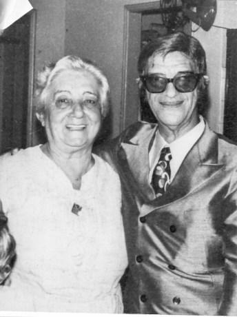 Chico Xavier e a médium Yvonne Pereira (foto original)