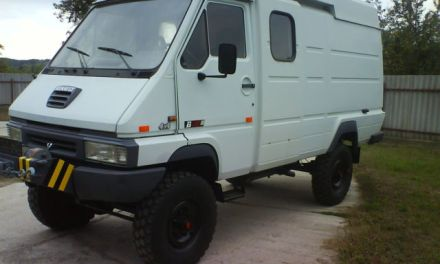 SOLD – Renault B110 4×4 Camper – Germany