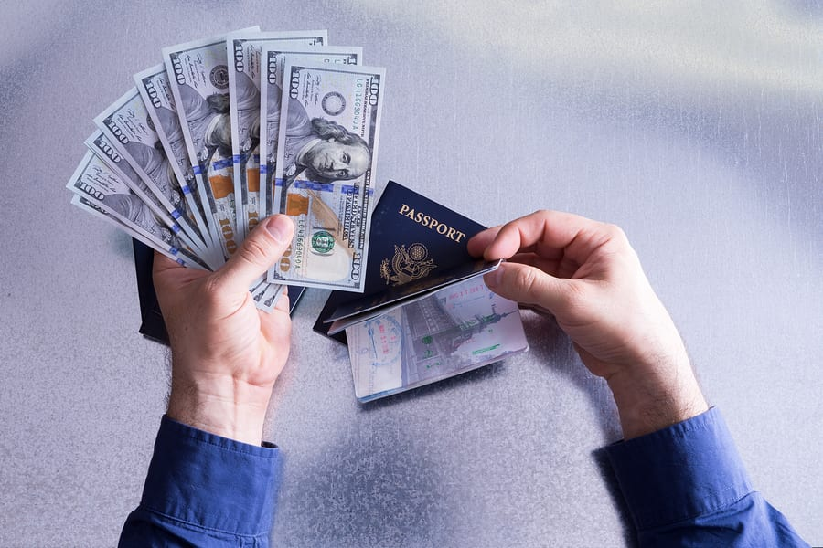 How Travel Expense Report Software Revolutionizes Business Trips