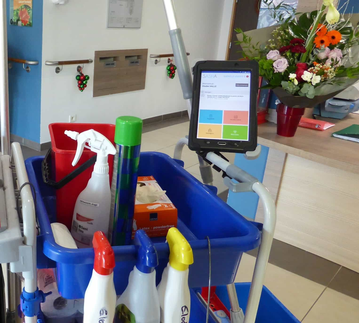 tablette application logiciel SASHA fixée fixation chariot bio nettoyage antivol