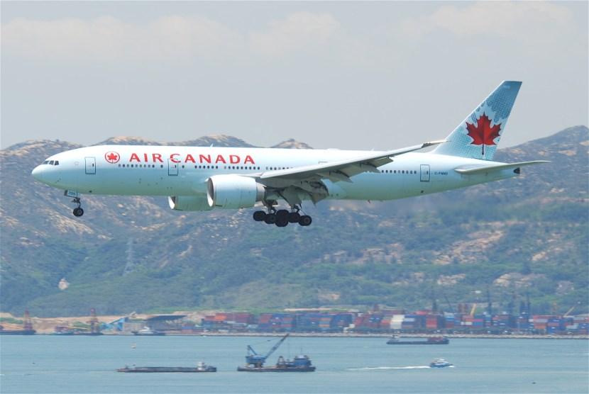 Air Canada Boeing 777-200LR; C-FNND@HKG