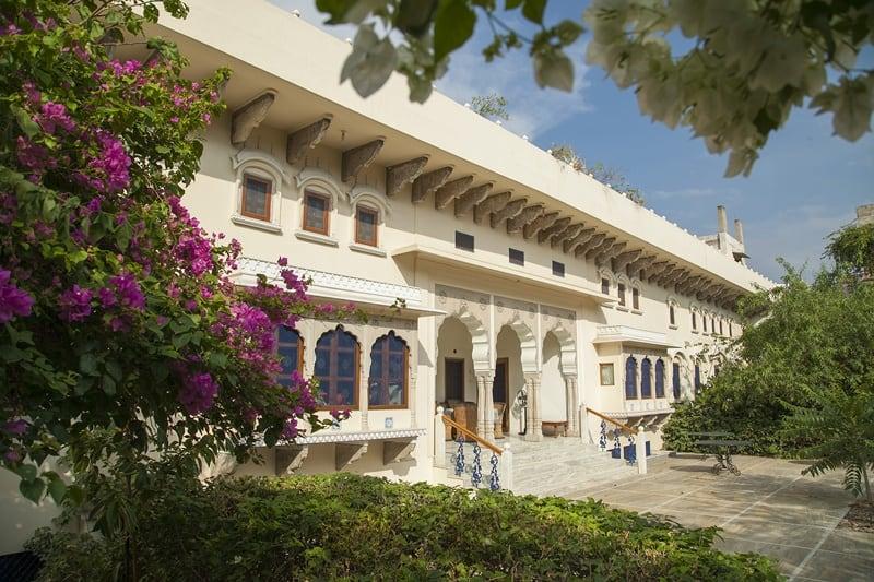 dera-mandawa-ind-courtyard