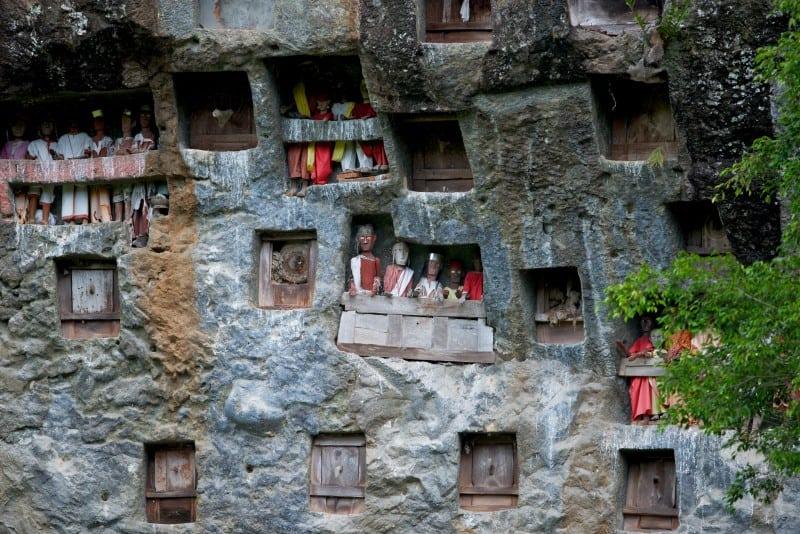 Sulawesi Lemo Cliff Tombs & Tau-Tau