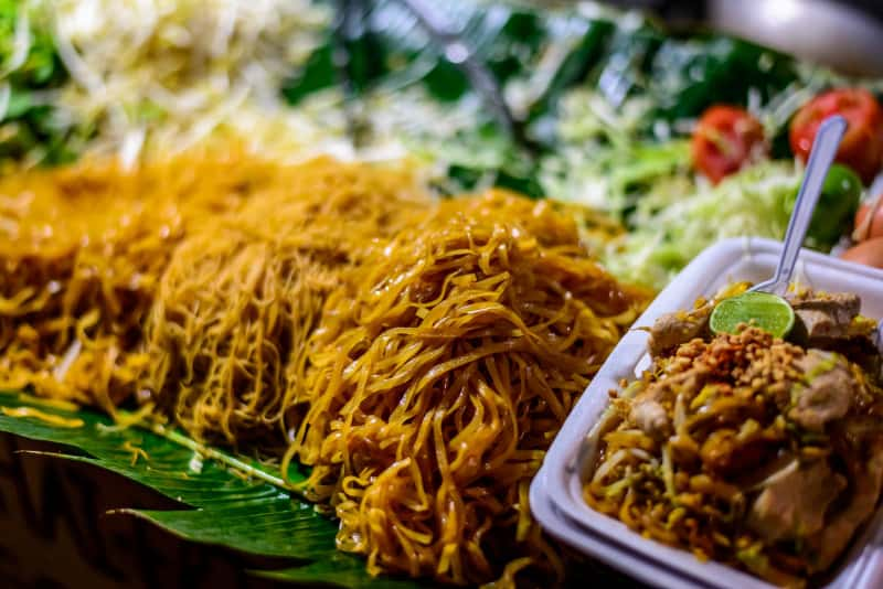 Pad Thai with chicken on Bangkok street stall
