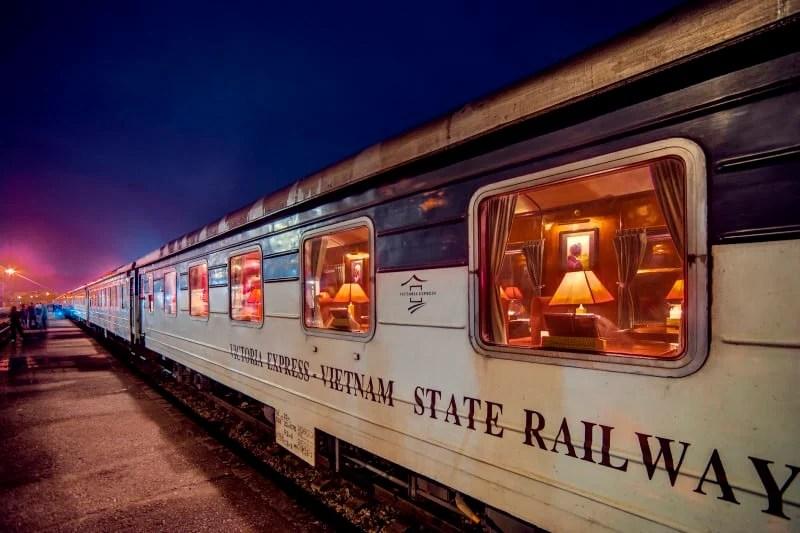 victoria-express-train-2