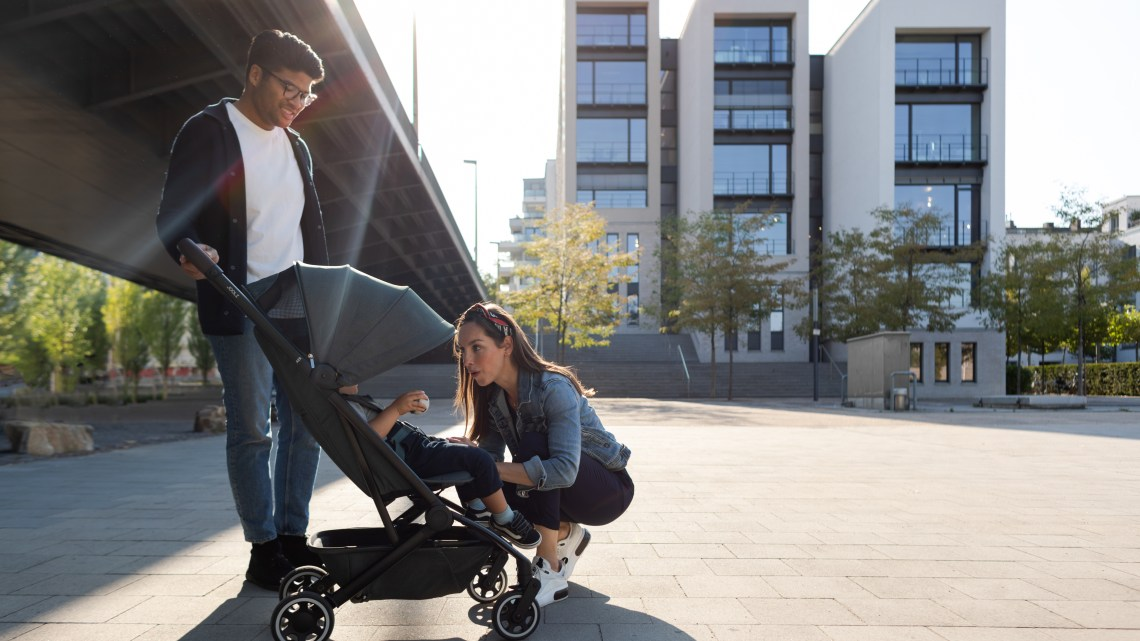 Joolz amplía su familia con la nueva silla de paseo Aer