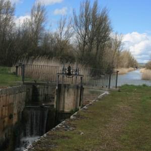 Visita la esclusa 39 del Canal de Castilla