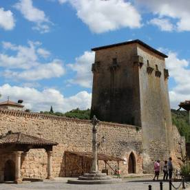 Torreón de Fernán Gonzalez en Covarrubias en España