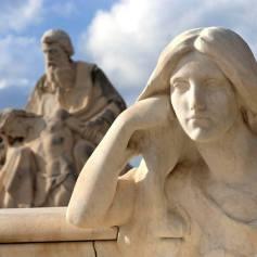 Esculturas del cementerio de Arenys de Mar en Cataluña