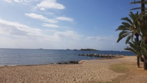 Vista de la Playa Ses Figueretes en Ibiza