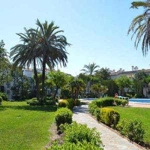 Alquiler de apartamentos en primera línea de playa en Estepona