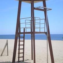 Torre de salvamento en la Playa Pesmar Icona en Isla Cristina en Huelva