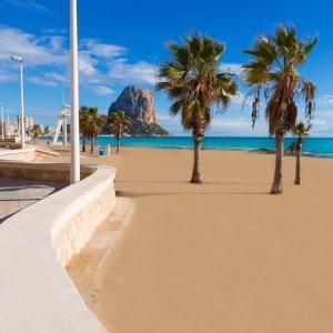 La playa de Levante en Calpe