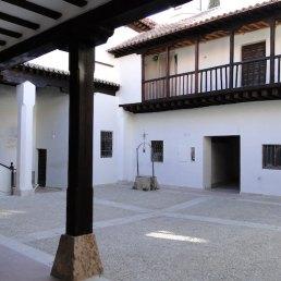 Interior del Hospital de Antezana en Alcalá de Henares en la Comunidad de Madrid