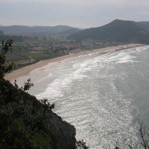 La playa de Berria en Santoña
