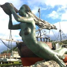 Sirena en dirección a la Magdalena en Santander