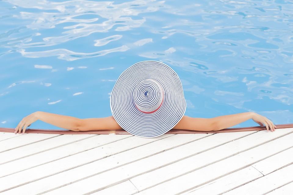 sauberer Pool durch Poolroboter