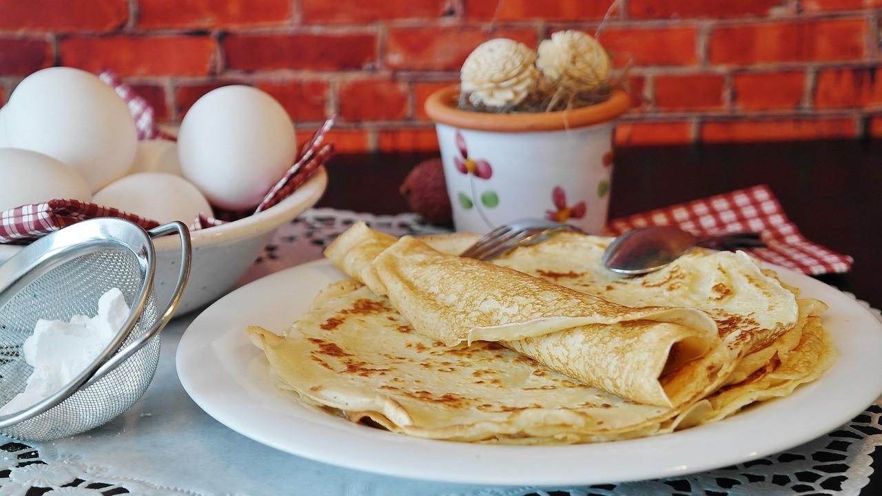 Crêpes hergestellt mit einem Crêpeseisen