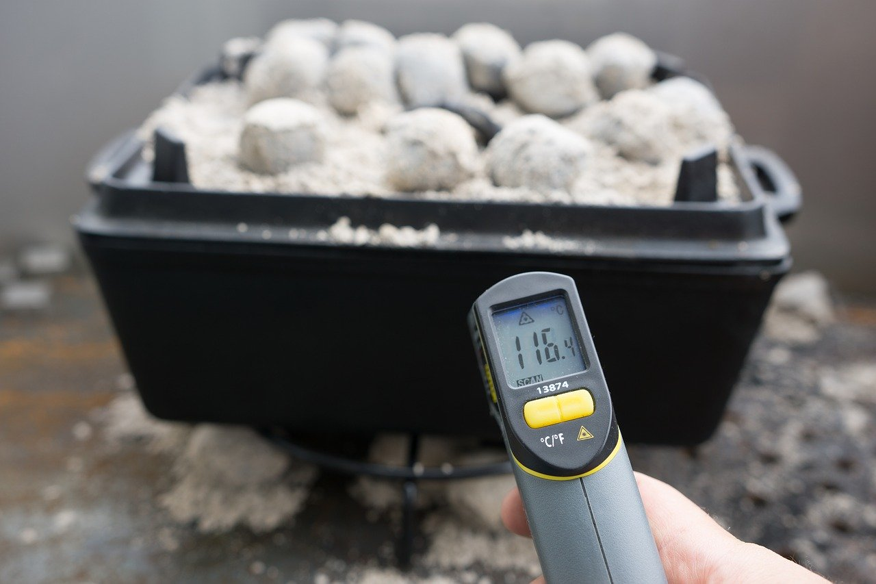 Achte bei einem Schmortopf immer auf die richtige Temperatur.