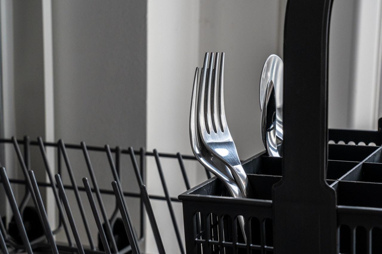 Miele Geschirrspülmaschinen haben eine clevere Anordnung der einzelnen Fächer.