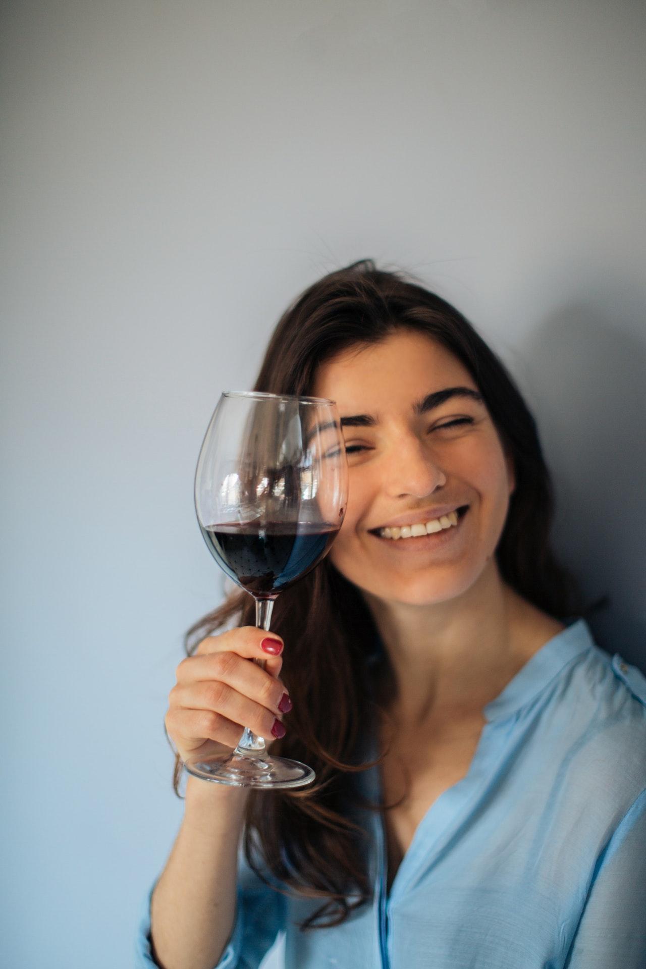 Durch den Einsatz einer Weinpumpe, bleibt der Wein länger genießbar.