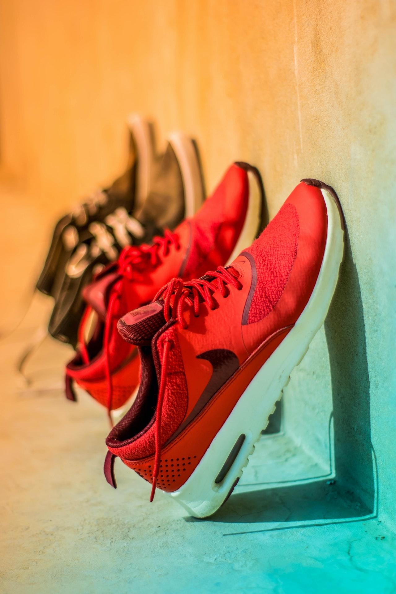 Schuhspanner gibt es für alle möglichen Schuhsorten. Größtenteils sind sie sogar universell einsetzbar.