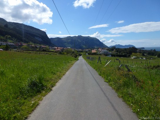 The road into Islares - finally!
