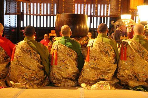 nagano_zenko-ji_ceremonie-oasaji-4
