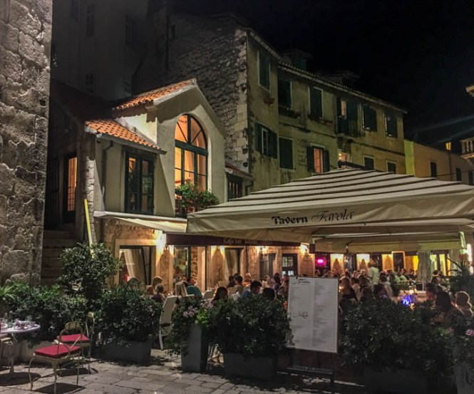 Kroatien Roadtrip: Eine Taverne in Split