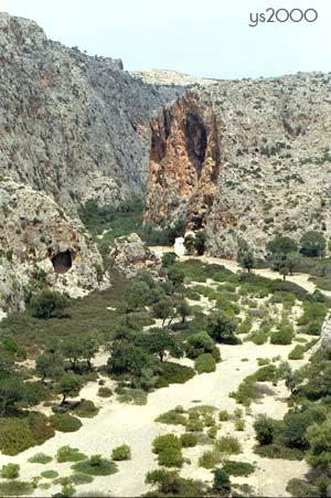 https://i2.wp.com/www.explorecrete.com/crete-east/images/agiofarango.jpg?w=1060