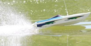 best remote control boat Buyer's Guide